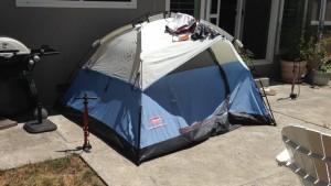 自宅の裏庭のテントでairbnb(エアービーアンドビー)?