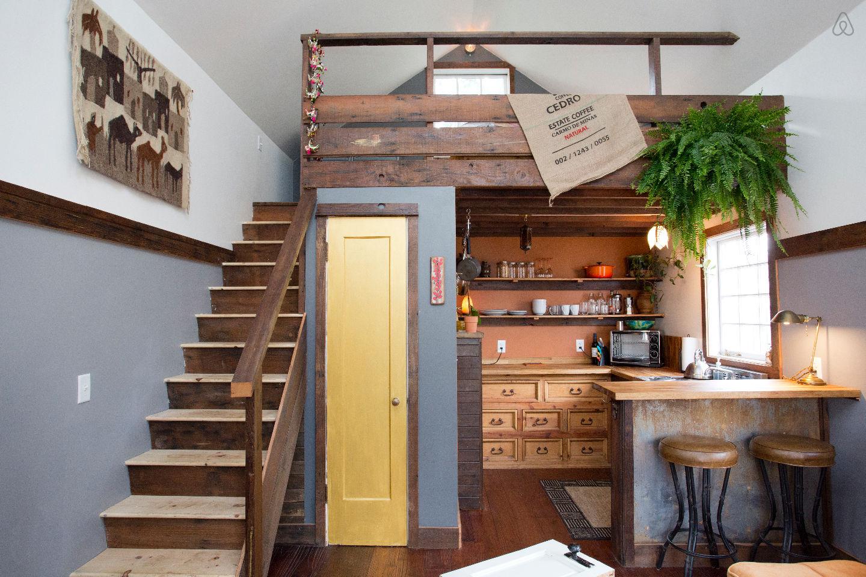 【 airbnb 投資 】「民泊」による経済効果10兆円の詳細