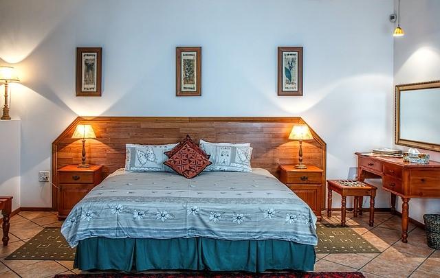 【airbnb インテリア】実はベッドにも色々ありまして・・・。客足が途絶えるベッドとは?