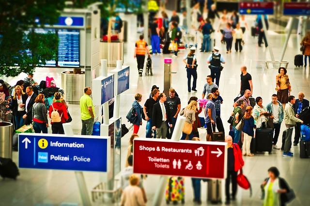 今年は2400万人ペース?!訪日外国人数が昨年より2カ月早く累計1500万人超へ。とはいえ、伸び悩みも