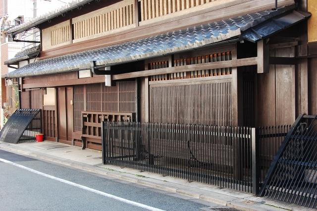 【京都・一括借り上げ】簡易宿所許可付き!駅から徒歩3分のゲストハウス出ました!